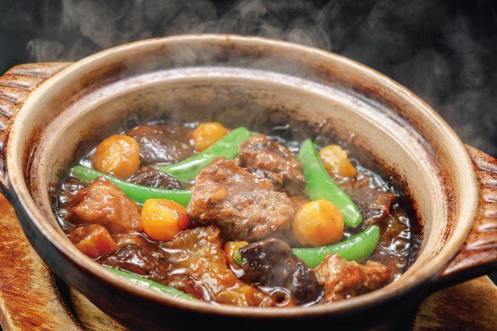 牛すじと栗の土鍋