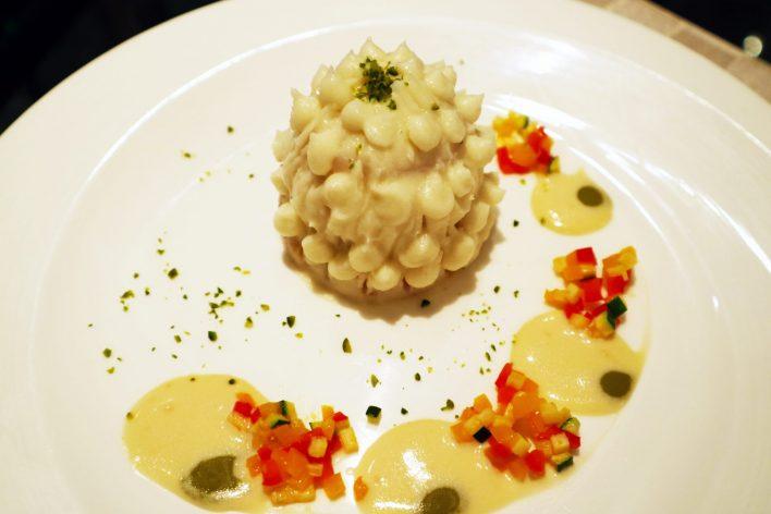 ホタテ貝のポワレ カリフラワームース添え