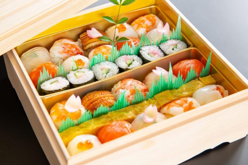 華やか手まり寿司弁当